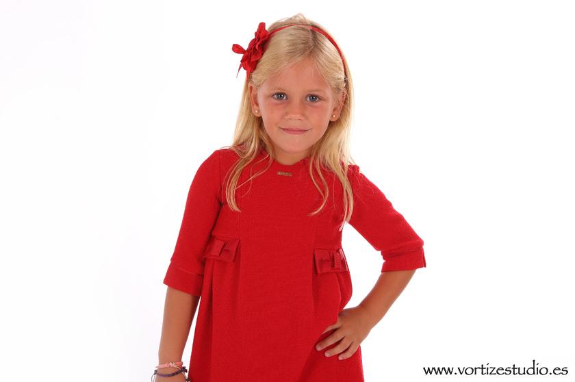 foto-niña-vestido-rojo